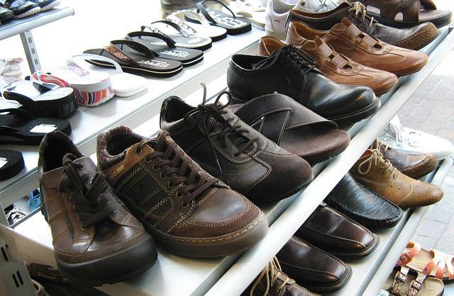 Schuhregal im vorratsraum